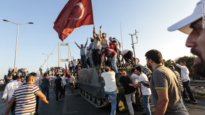160716104843-08-turkey-coup-0716-exlarge-169_cnn_com